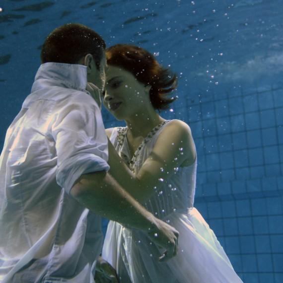 aquafilm, zdjęcia podwodne, podwodne filmowanie, podwodna kamera, underwater cinematography, underwater, underwater housing, rental, wynajem, kiss, girl